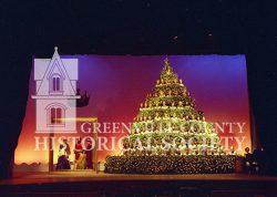 7885-SINGING-CHRISTMAS-TREE-12-16-1968b