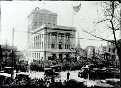 57-14774-Flag-Pole-Dedication-at-Courthouse-1916