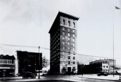Chamber Building 1925