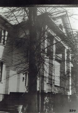 Oscar-Landing-Bk-1-p18b-The-Kilgore-Lewis-house-at-234-Buncombe-St.-Present-site-of-St.-Methodist-Church-Family-Activities-building.-Built-in-1832-with-slave-labor
